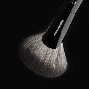 Sculpt & Shade Fan Brush